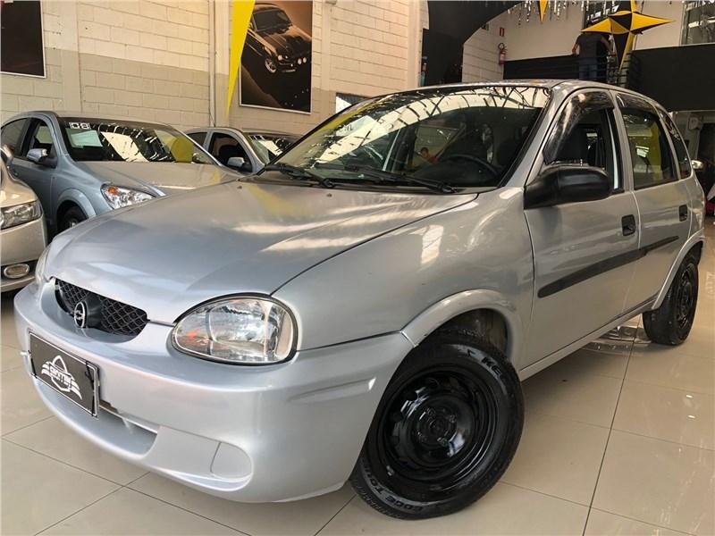 //www.autoline.com.br/carro/chevrolet/corsa-10-hatch-wind-8v-gasolina-4p-manual/2001/campinas-sp/15467860