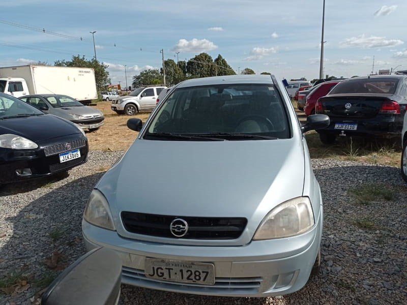 //www.autoline.com.br/carro/chevrolet/corsa-10-sedan-joy-8v-flex-4p-manual/2007/brasilia-df/15662285
