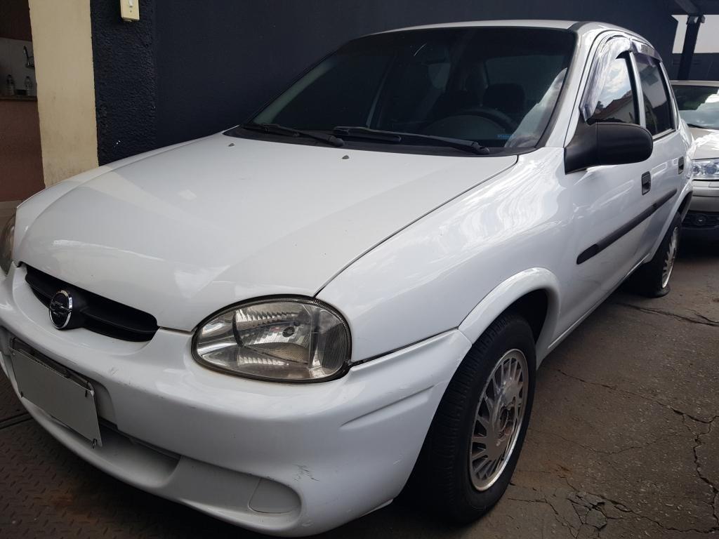 //www.autoline.com.br/carro/chevrolet/corsa-10-a-sedan-classic-8v-alcool-4p-manual/2004/araraquara-sp/15685859