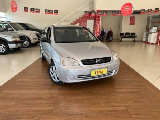 //www.autoline.com.br/carro/chevrolet/corsa-10-sedan-8v-gasolina-4p-manual/2003/guaxupe-mg/15714700