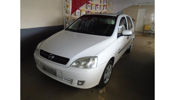 //www.autoline.com.br/carro/chevrolet/corsa-18-maxx-8v-flex-4p-manual/2005/uberaba-mg/6577683