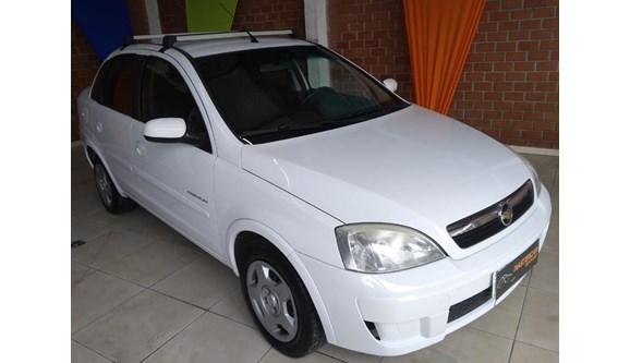 //www.autoline.com.br/carro/chevrolet/corsa-14-premium-8v-sedan-flex-4p-manual/2011/sao-jose-dos-pinhais-pr/7057678