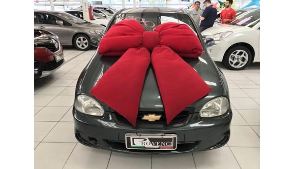//www.autoline.com.br/carro/chevrolet/corsa-10-life-classic-8v-sedan-gasolina-4p-manual/2009/curitiba-pr/7070243