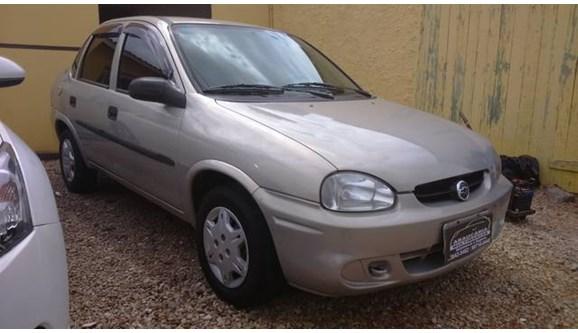 //www.autoline.com.br/carro/chevrolet/corsa-16-classic-8v-sedan-gasolina-4p-manual/2004/araucaria-pr/6496287