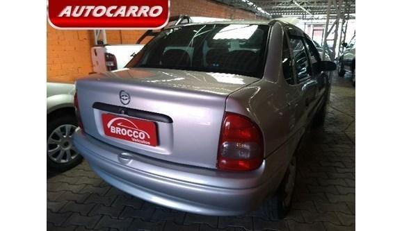 //www.autoline.com.br/carro/chevrolet/corsa-10-life-classic-8v-sedan-gasolina-4p-manual/2005/gravatai-rs/7677894