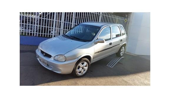 //www.autoline.com.br/carro/chevrolet/corsa-10-wind-8v-gasolina-4p-manual/2000/cascavel-pr/8090952
