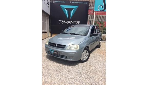 //www.autoline.com.br/carro/chevrolet/corsa-10-8v-gasolina-4p-manual/2002/brasilia-df/8149300