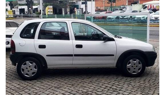 //www.autoline.com.br/carro/chevrolet/corsa-10-wind-8v-sedan-gasolina-4p-manual/1999/joinville-sc/8318594