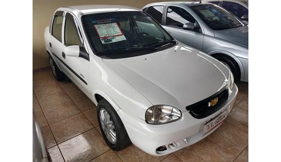 //www.autoline.com.br/carro/chevrolet/corsa-16-spirit-classic-8v-sedan-gasolina-4p-manual/2005/arapongas-pr/8389036