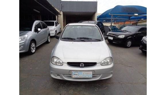 //www.autoline.com.br/carro/chevrolet/corsa-16-classic-8v-sedan-gasolina-4p-manual/2003/lencois-paulista-sp/8440820