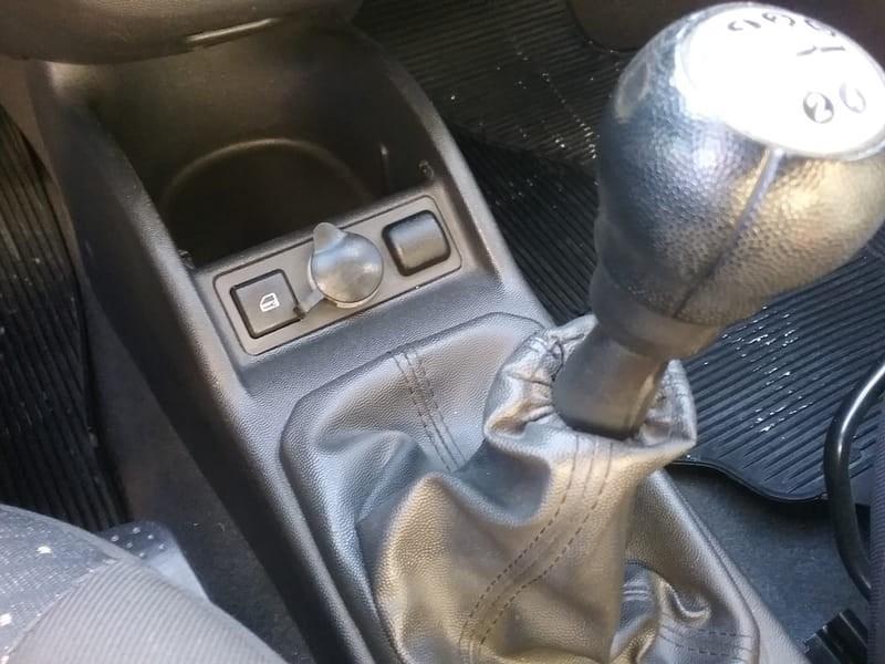 //www.autoline.com.br/carro/chevrolet/corsa-14-premium-8v-flex-4p-manual/2009/mogi-das-cruzes-sp/8768643