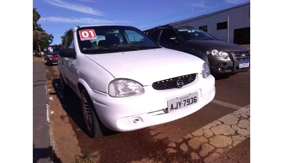 //www.autoline.com.br/carro/chevrolet/corsa-10-wind-8v-gasolina-2p-manual/2001/cascavel-pr/8875646