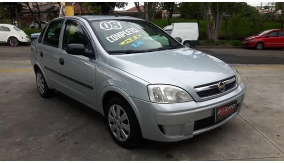 //www.autoline.com.br/carro/chevrolet/corsa-14-premium-8v-sedan-flex-4p-manual/2008/sao-paulo-sp/9137206