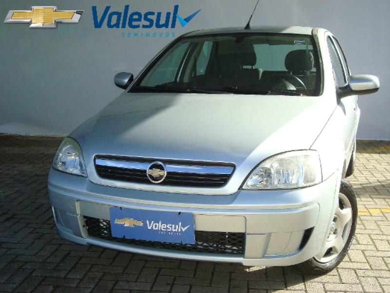 //www.autoline.com.br/carro/chevrolet/corsa-14-premium-8v-flex-4p-manual/2009/sao-jose-dos-pinhais-pr/9176837