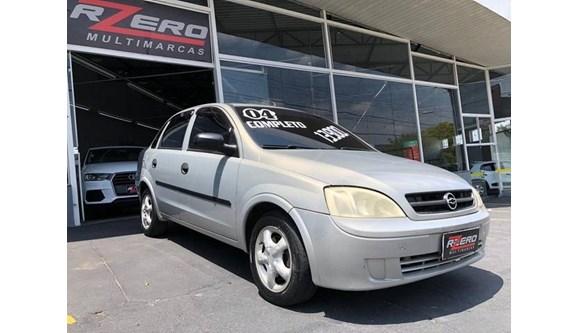 //www.autoline.com.br/carro/chevrolet/corsa-18-maxx-8v-108cv-4p-flex-manual-basico/2004/sao-paulo-sp/9735737