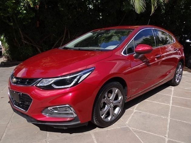 //www.autoline.com.br/carro/chevrolet/cruze-14-hatch-sport-ltz-16v-flex-4p-turbo-automati/2017/santiago-rs/11013735