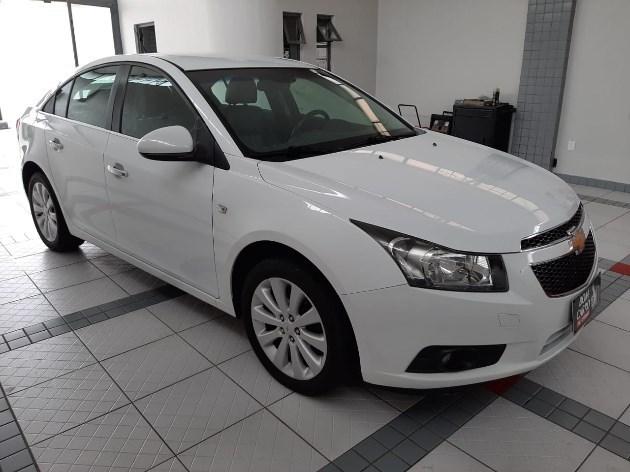 //www.autoline.com.br/carro/chevrolet/cruze-18-sedan-ltz-16v-flex-4p-automatico/2014/porto-alegre-rs/11018636