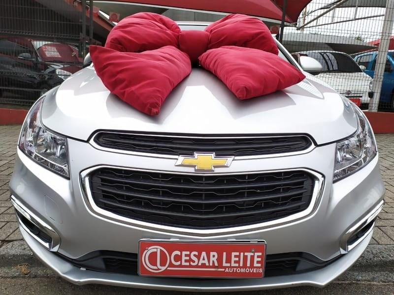 //www.autoline.com.br/carro/chevrolet/cruze-18-lt-16v-flex-4p-automatico/2015/curitiba-pr/11215585