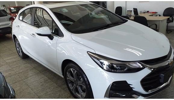 //www.autoline.com.br/carro/chevrolet/cruze-14-hatch-sport-premier-16v-flex-4p-turbo-auto/2020/campinas-sp/11237290