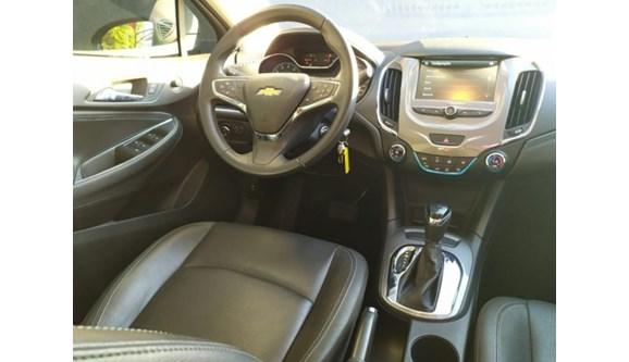 //www.autoline.com.br/carro/chevrolet/cruze-14-sedan-lt-16v-flex-4p-turbo-automatico/2018/campo-grande-ms/11977896