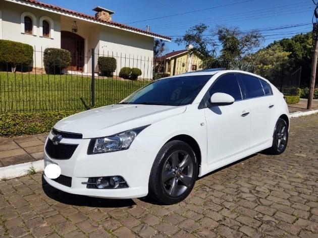 //www.autoline.com.br/carro/chevrolet/cruze-18-hatch-sport-ltz-16v-flex-4p-automatico/2014/sao-borja-rs/12233294