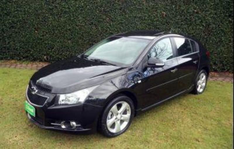 //www.autoline.com.br/carro/chevrolet/cruze-18-hatch-sport-ltz-16v-flex-4p-automatico/2013/cascavel-pr/12362216