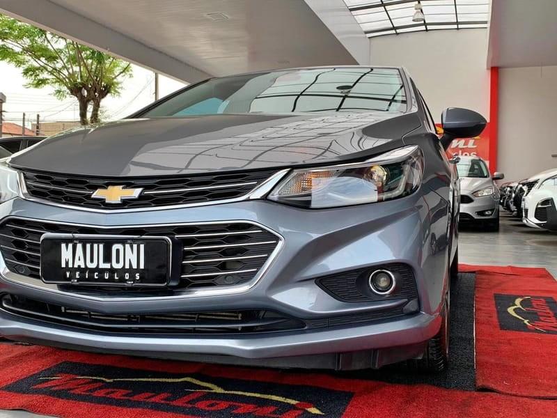 //www.autoline.com.br/carro/chevrolet/cruze-14-sedan-ltz-16v-flex-4p-turbo-automatico/2017/curitiba-pr/12394625