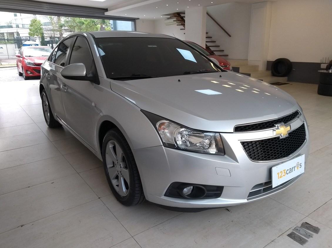 //www.autoline.com.br/carro/chevrolet/cruze-18-sedan-lt-16v-flex-4p-automatico/2013/sao-paulo-sp/12424288