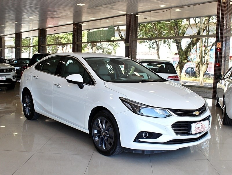 //www.autoline.com.br/carro/chevrolet/cruze-14-sedan-ltz-16v-flex-4p-turbo-automatico/2017/novo-hamburgo-rs/12687402