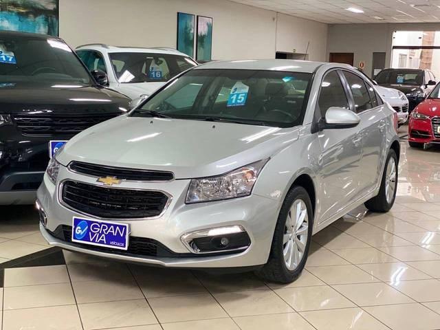 //www.autoline.com.br/carro/chevrolet/cruze-18-sedan-lt-16v-flex-4p-automatico/2015/maringa-pr/12708108