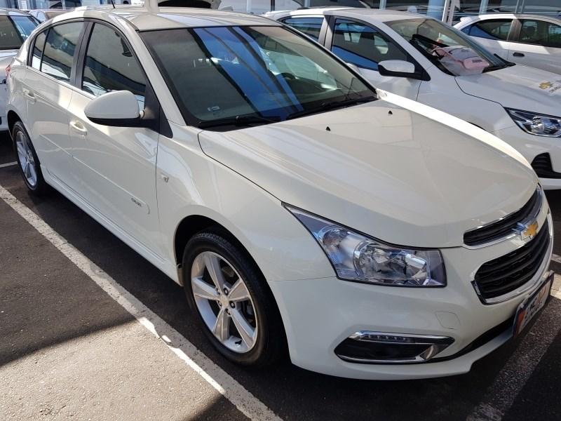 //www.autoline.com.br/carro/chevrolet/cruze-18-hatch-sport-lt-16v-flex-4p-automatico/2016/salvador-ba/12737464