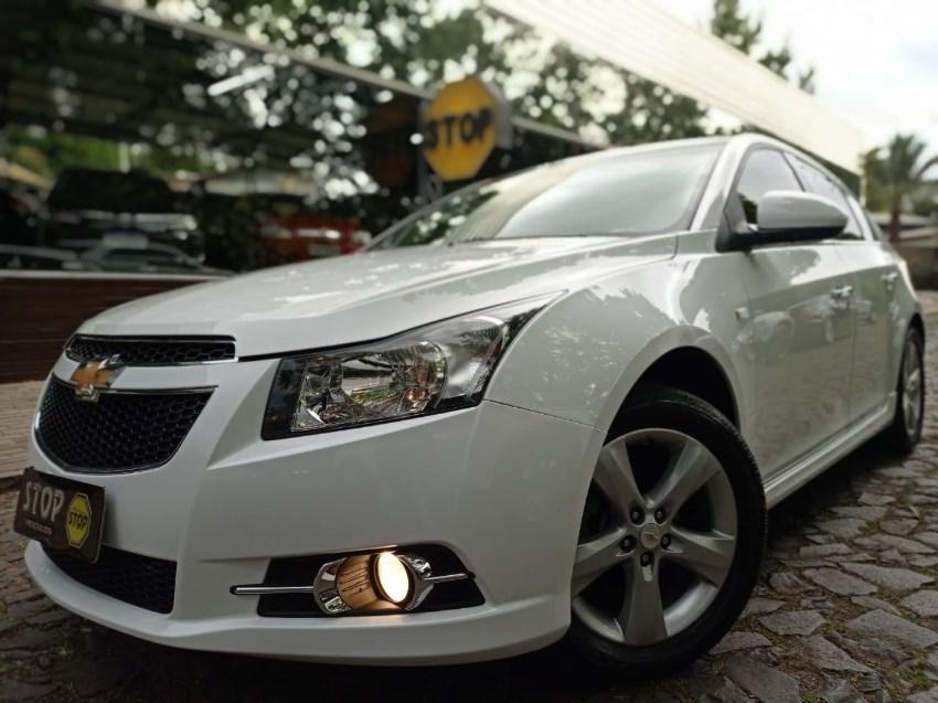 //www.autoline.com.br/carro/chevrolet/cruze-18-hatch-sport-ltz-16v-flex-4p-automatico/2014/dois-irmaos-rs/12742838