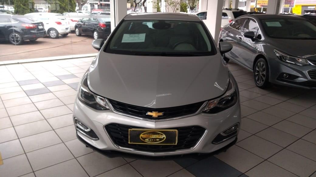 //www.autoline.com.br/carro/chevrolet/cruze-14-hatch-sport-ltz-16v-flex-4p-turbo-automati/2017/curitiba-pr/12750570