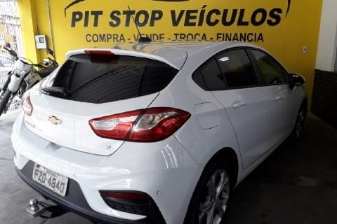 //www.autoline.com.br/carro/chevrolet/cruze-14-hatch-sport-lt-16v-flex-4p-turbo-automatic/2017/muriae-mg/12835554
