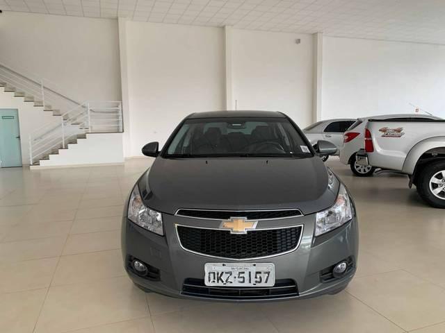 //www.autoline.com.br/carro/chevrolet/cruze-18-sedan-lt-16v-flex-4p-automatico/2013/rio-verde-go/12916918