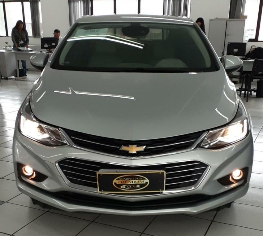 //www.autoline.com.br/carro/chevrolet/cruze-14-sedan-ltz-16v-flex-4p-turbo-automatico/2018/curitiba-pr/13624653