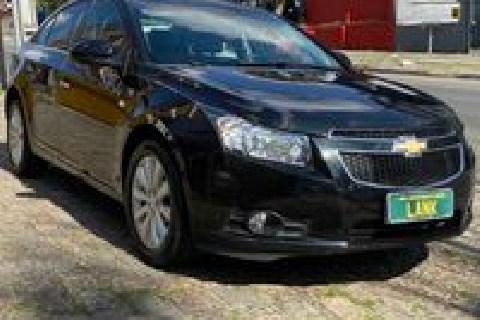 //www.autoline.com.br/carro/chevrolet/cruze-18-sedan-ltz-16v-flex-4p-automatico/2013/curitiba-pr/13672202