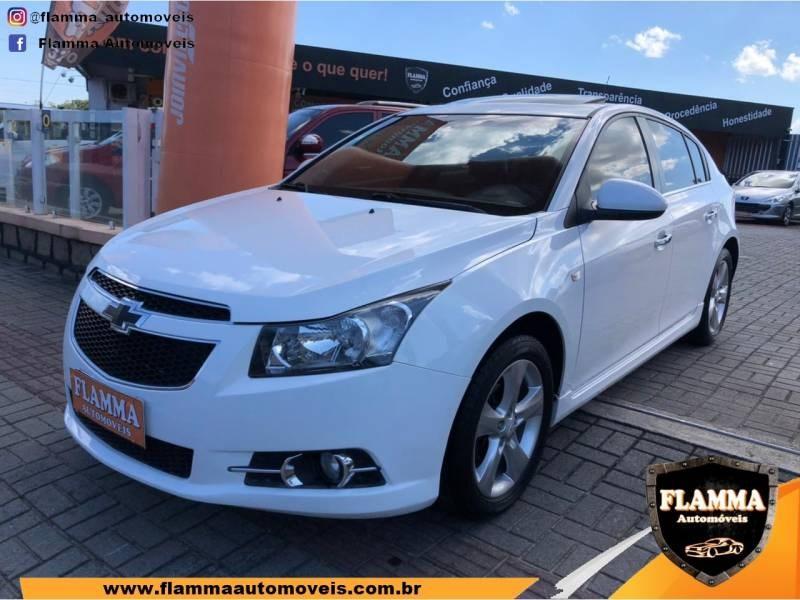 //www.autoline.com.br/carro/chevrolet/cruze-18-hatch-sport-ltz-16v-flex-4p-automatico/2014/joinville-sc/13930450