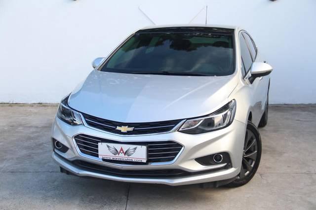 //www.autoline.com.br/carro/chevrolet/cruze-14-hatch-sport-ltz-16v-flex-4p-turbo-automati/2018/taubate-sp/13978391