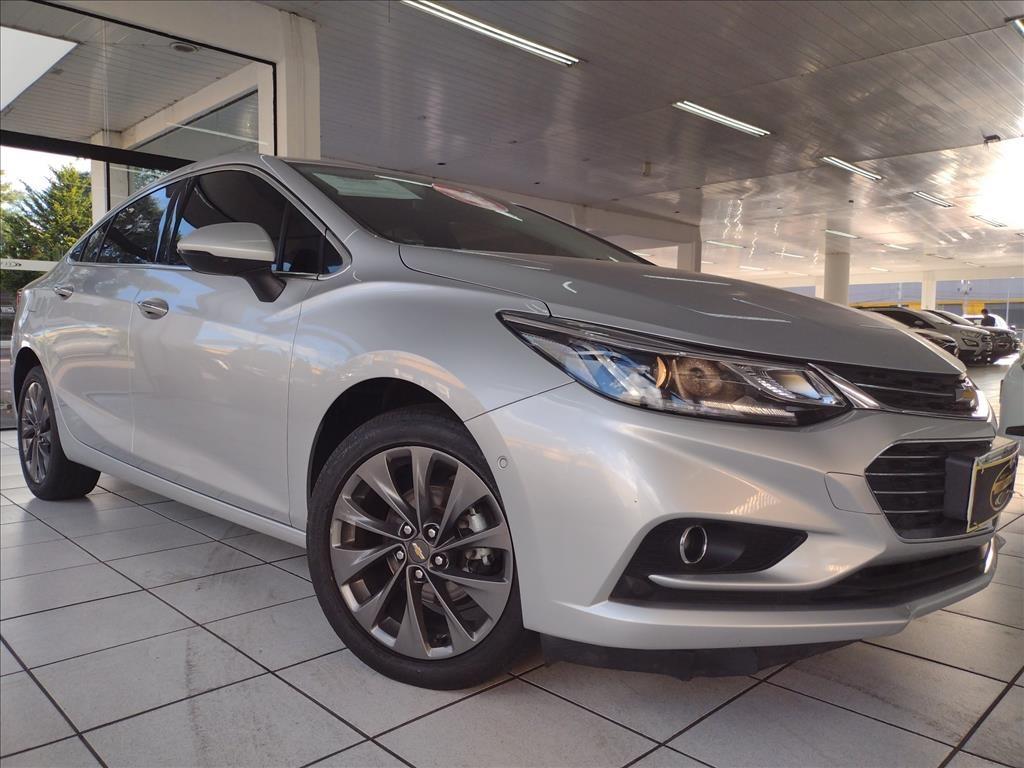 //www.autoline.com.br/carro/chevrolet/cruze-14-sedan-ltz-16v-flex-4p-turbo-automatico/2018/curitiba-pr/14022667
