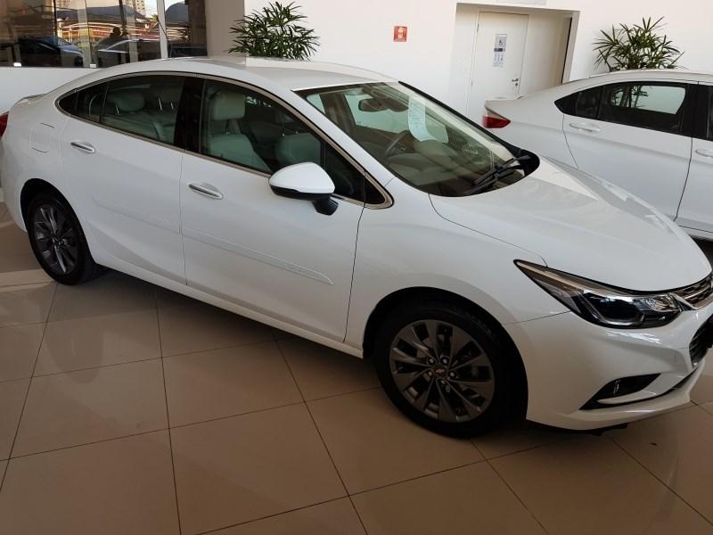 //www.autoline.com.br/carro/chevrolet/cruze-14-sedan-ltz-16v-flex-4p-turbo-automatico/2018/salvador-ba/14081043