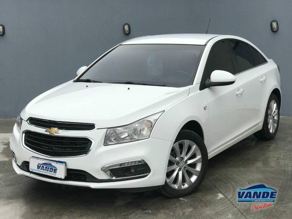 //www.autoline.com.br/carro/chevrolet/cruze-18-sedan-lt-16v-flex-4p-automatico/2016/joinville-sc/14119626