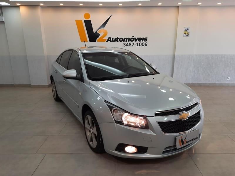//www.autoline.com.br/carro/chevrolet/cruze-18-sedan-lt-16v-flex-4p-automatico/2012/brasilia-df/14402248