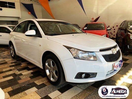 //www.autoline.com.br/carro/chevrolet/cruze-18-sedan-lt-16v-flex-4p-automatico/2012/itumbiara-go/14469331