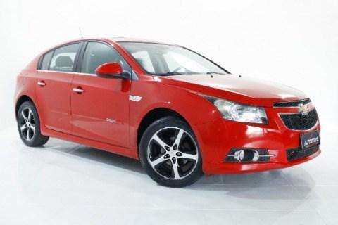 //www.autoline.com.br/carro/chevrolet/cruze-18-hatch-sport-ltz-16v-flex-4p-automatico/2014/taubate-sp/14496076