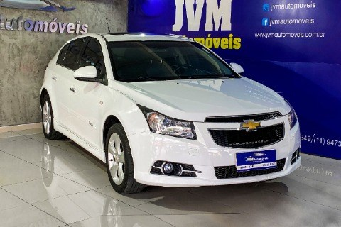 //www.autoline.com.br/carro/chevrolet/cruze-18-hatch-sport-ltz-16v-flex-4p-automatico/2013/jandira-sp/14498581