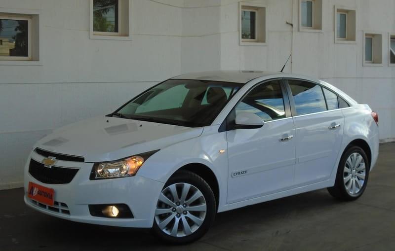 //www.autoline.com.br/carro/chevrolet/cruze-18-sedan-ltz-16v-flex-4p-automatico/2013/brasilia-df/14508666