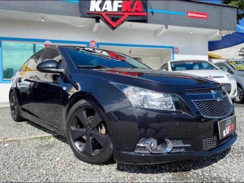 //www.autoline.com.br/carro/chevrolet/cruze-18-sedan-lt-16v-flex-4p-manual/2014/joinville-sc/14552444