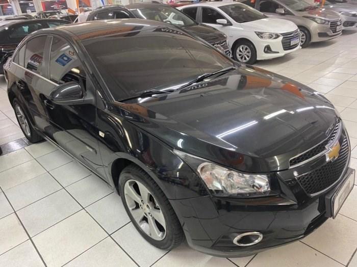 //www.autoline.com.br/carro/chevrolet/cruze-18-sedan-lt-16v-flex-4p-automatico/2012/osasco-sp/14627574