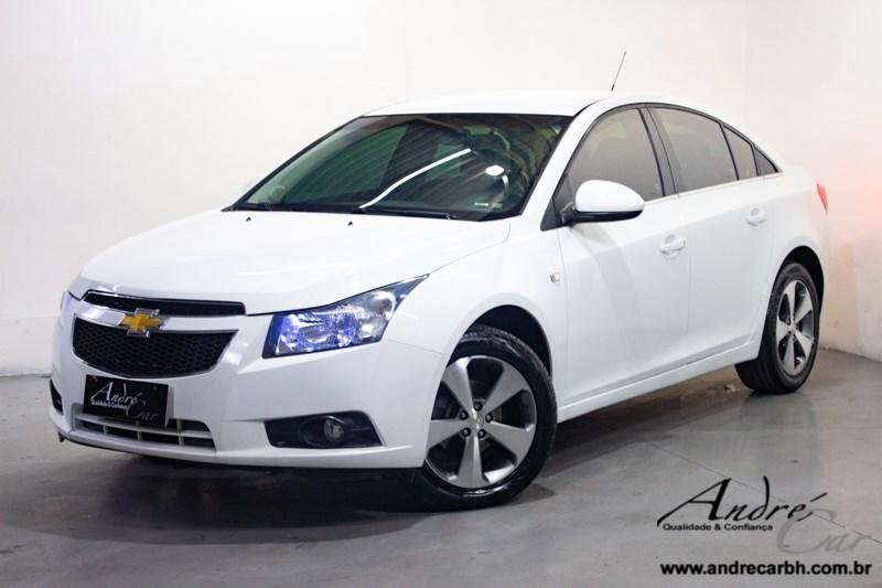 //www.autoline.com.br/carro/chevrolet/cruze-18-sedan-lt-16v-flex-4p-automatico/2013/belo-horizonte-mg/14664701